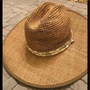 b5b6f30e4ee8f Beautiful woven straw hat. Dorfman Pacific s m